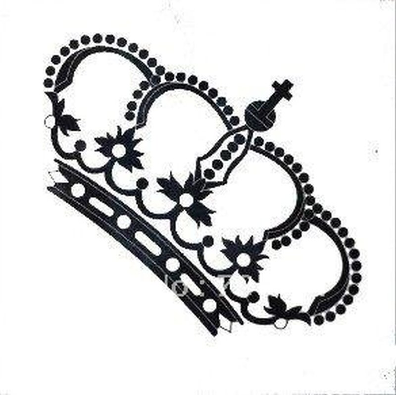 800x797 Awesome Crown Tattoo Design