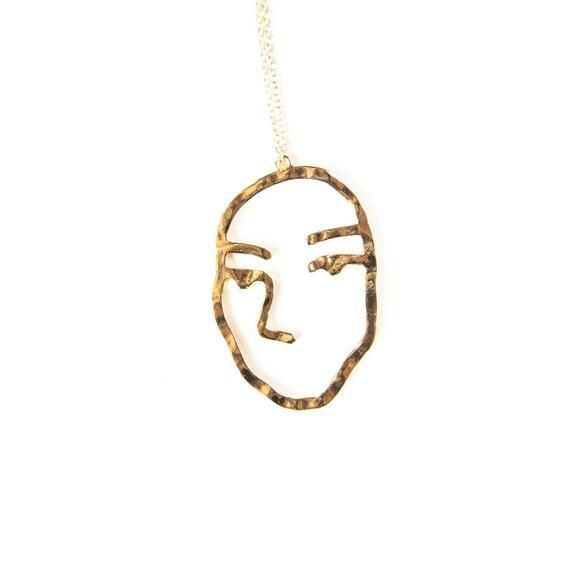 575x575 Juliette Face Necklace Present In The Laine