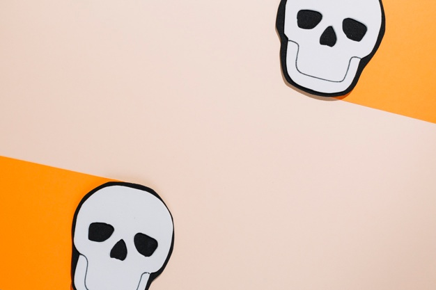 626x417 Handmade Skeleton With Two Sheets Of Paper Photo Free Download