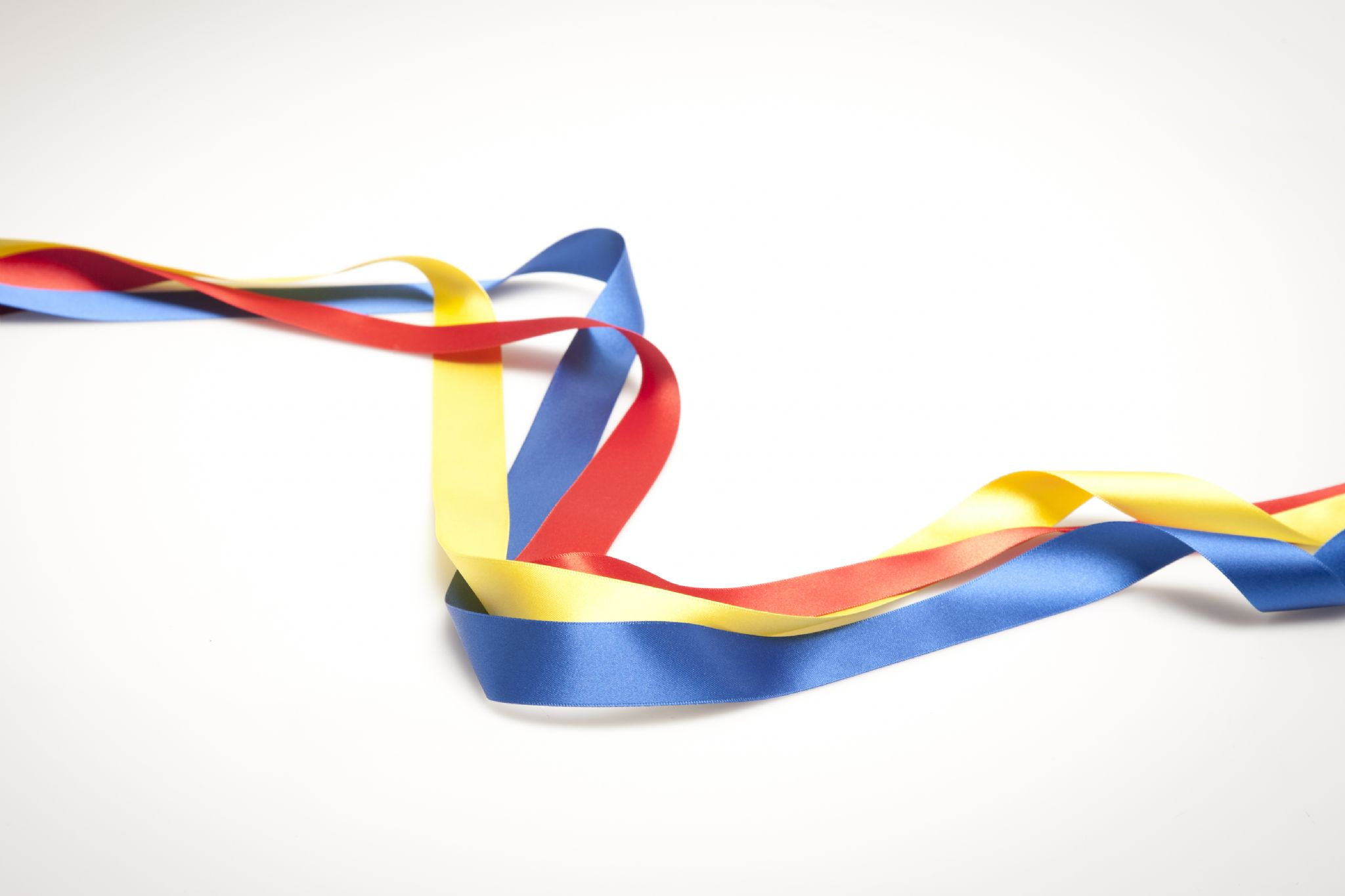 2048x1365 3 Coloured Ribbons For Tambourine