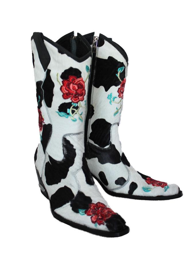 672x902 White Rose Cowboy Boot