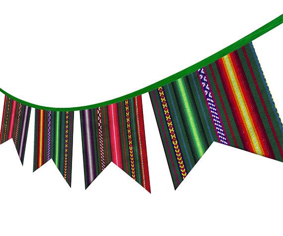 570x475 Guirnalda Peruana Tribal De Tela. Decoracion Etnica De Pared