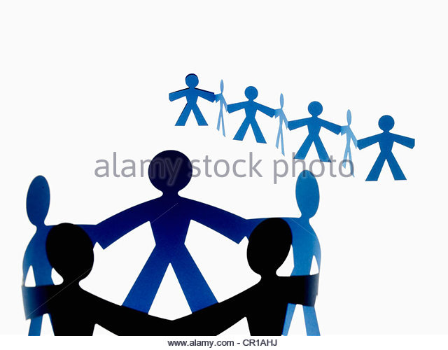 640x500 Circle Of Paper Chain People Stock Photos Amp Circle Of Paper Chain