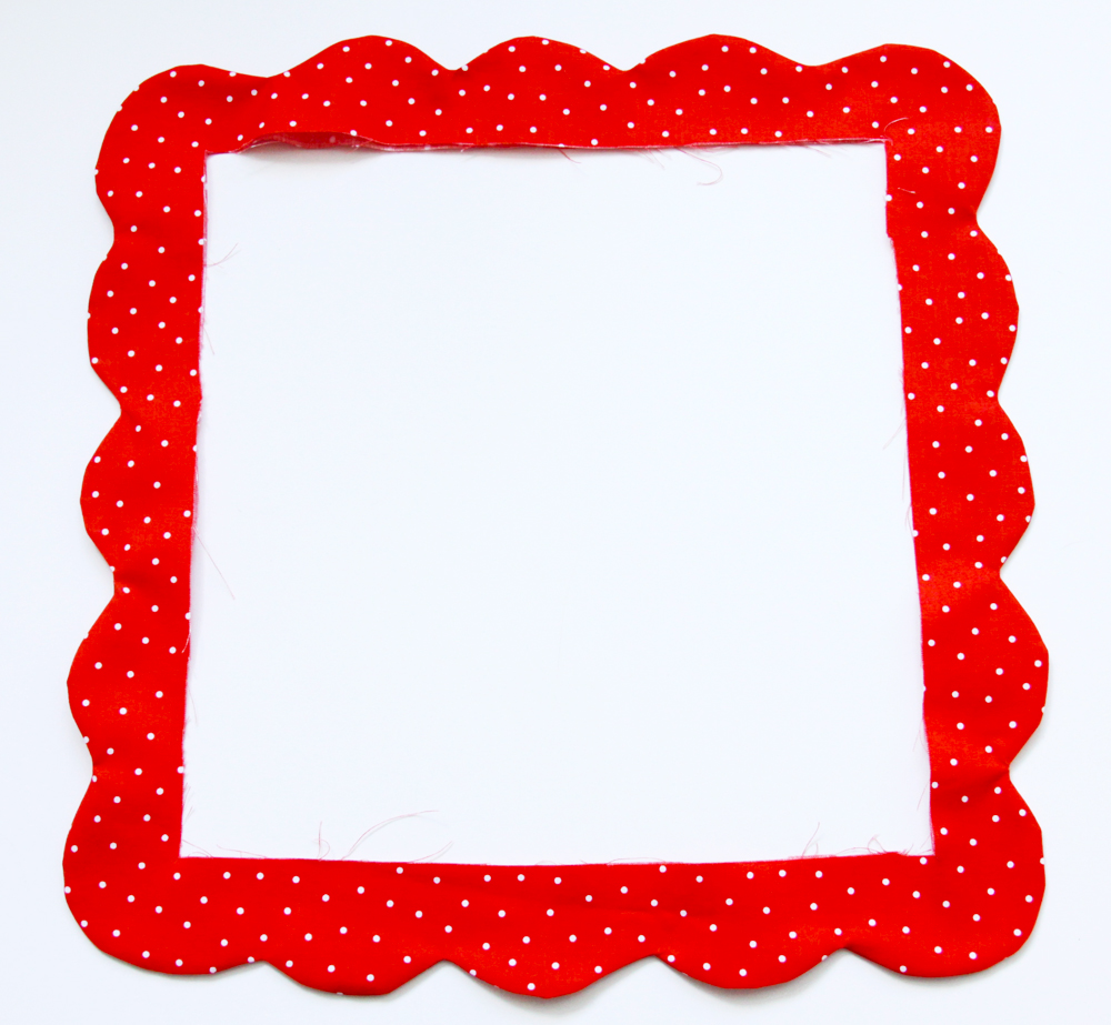 1000x923 Scalloped Nine Patch Retro Style Placemats