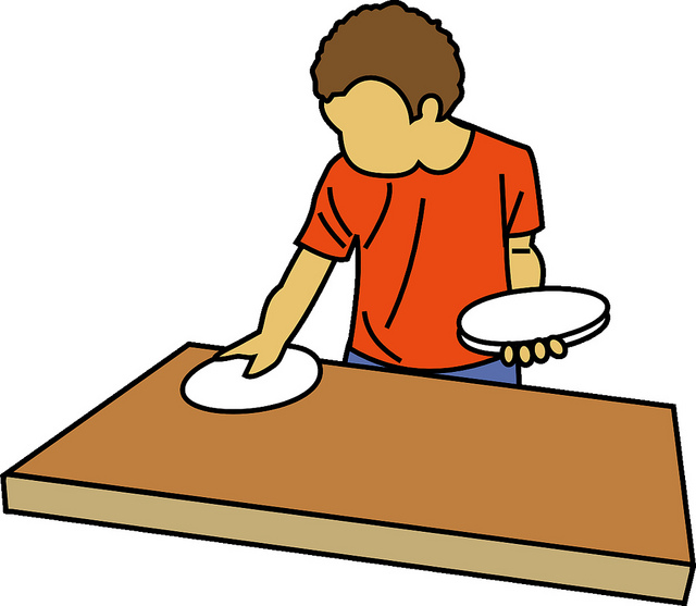 640x557 Setting The Table Clipart