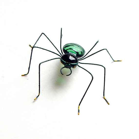 570x570 Medium Hanging Green Spider Wire Art Copper Wire Spider