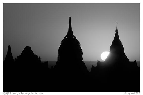 576x383 Black And White Picturephoto Sunrise. Bagan, Myanmar