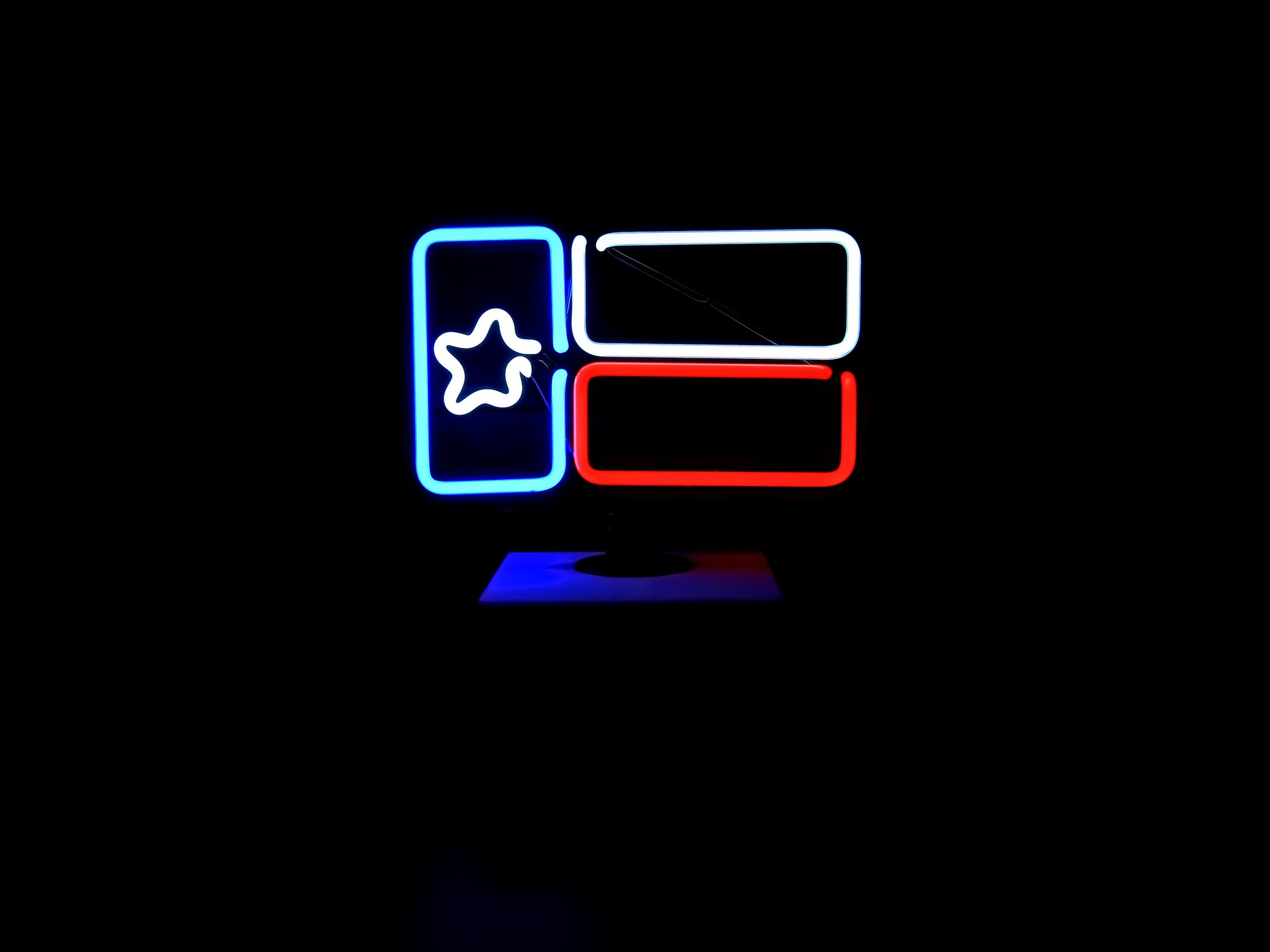 2048x1536 Desktop Texas Flag Neon