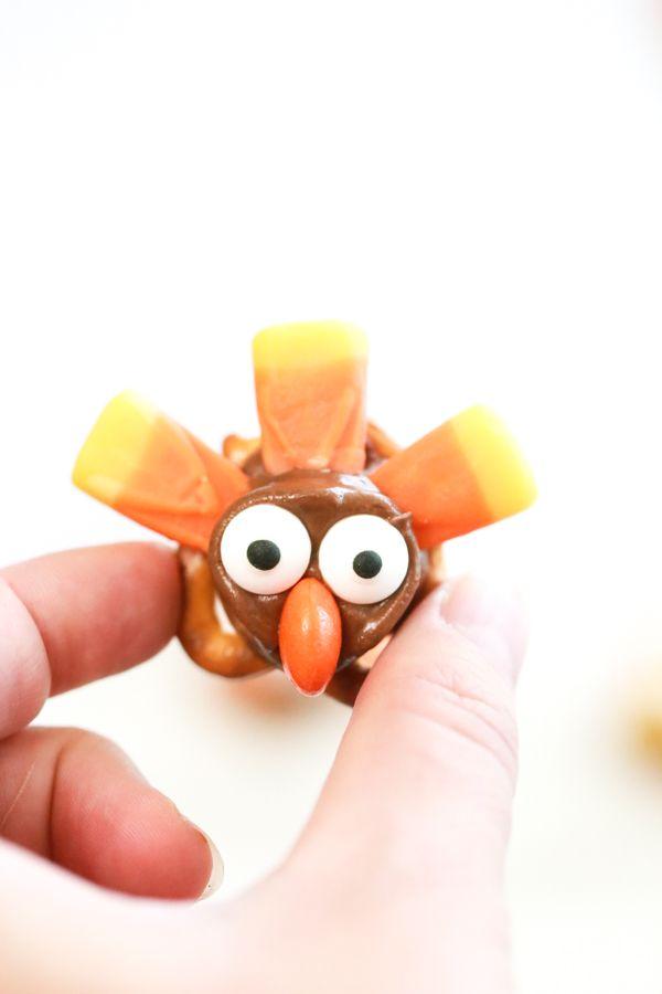 600x900 Best Pretzel Turkey Treats Ideas Thanksgiving