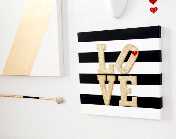 600x476 Valentines Glitter And Stripes Wall Art